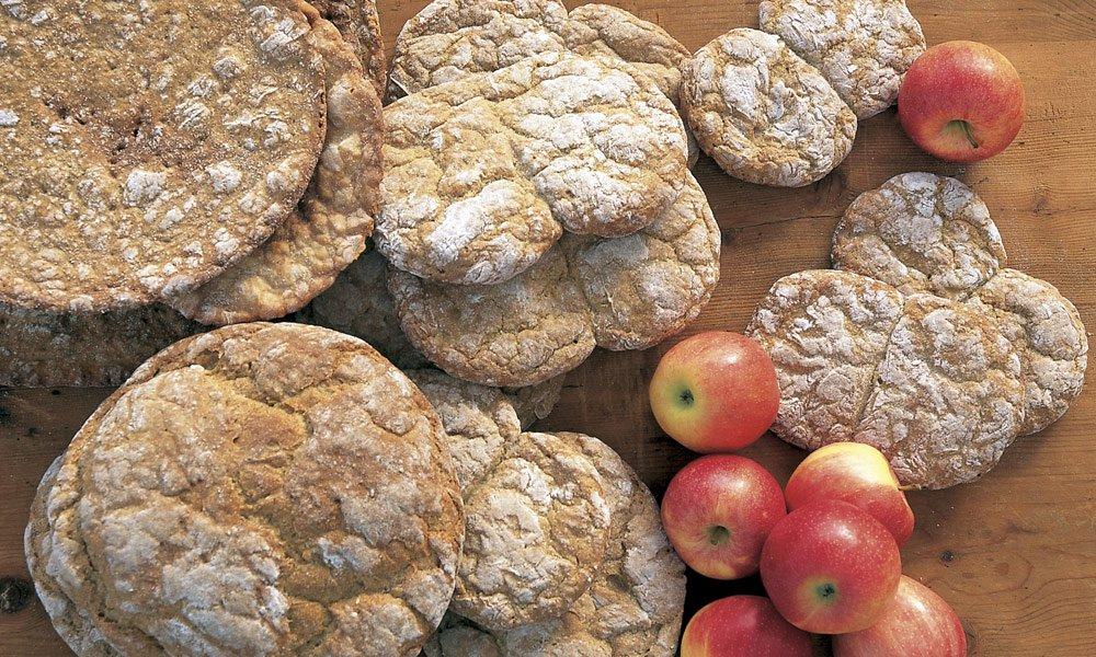 Traditionelles Brotbacken im Urlaub Ridnaun
