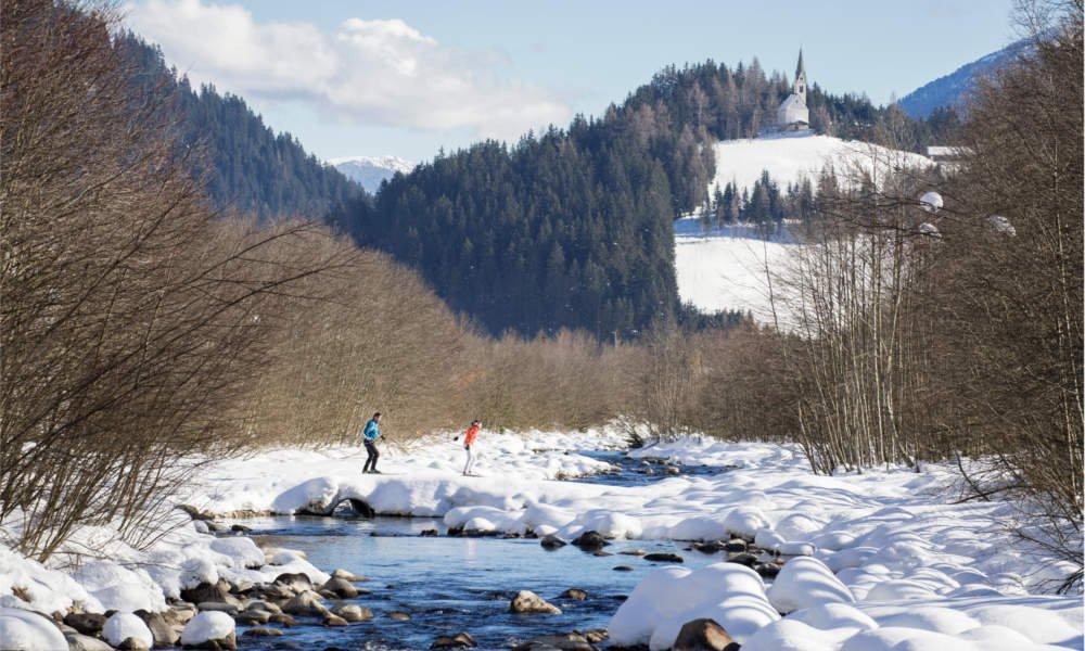 In der Stille der Schneelandschaft zur Ruhe kommen